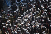 1600px-Central_Security_Forces_in_2011_Egyptian_Protests.jpg